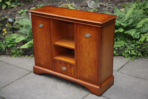 A YEW WOOD BOOKCASE SHELVES HI-FI CD CABINET CUPBOARD.