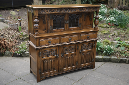 AN OLD CHARM WOOD BROS LIGHT OAK DISPLAY DRESSER BASE COURT CUPBOARD SIDEBOARD CABINET.