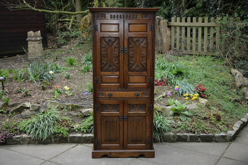 AN OLD CHARM WOOD BROS LIGHT OAK DRINKS COCKTAIL WINE CABINET RACK CUPBOARD MIRROR.