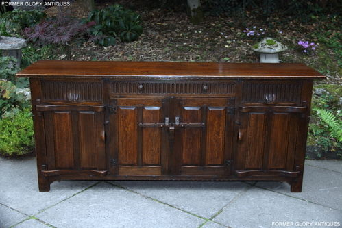 A NIGEL / RUPERT GRIFFITHS MONASTIC SOLID OAK DRESSER BASE / SIDEBOARD