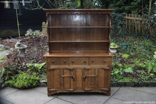 A RUPERT / NIGEL GRIFFITHS MONASTIC CARVED OAK DERBYSHIRE DRESSER / SIDEBOARD