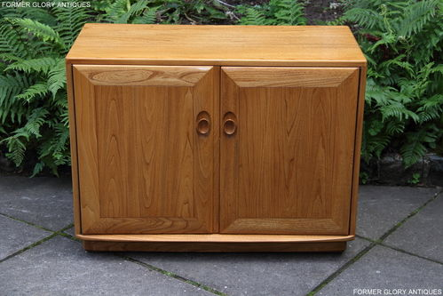 AN ERCOL WINDSOR LIGHT ELM HALL CABINET / SIDEBOARD / DRESSER BASE