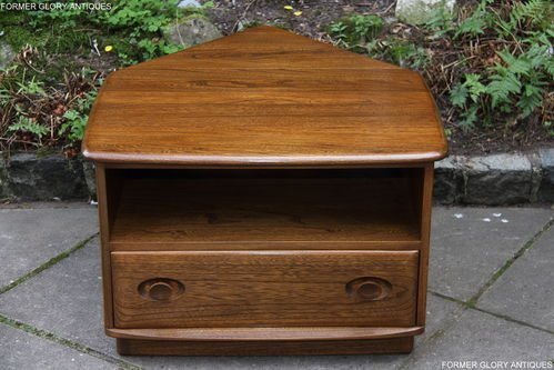 AN ERCOL WINDSOR GOLDEN DAWN SOLID ELM CORNER TV CABINET / STAND