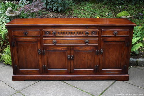 A WOOD BROTHERS OLD CHARM BUCKINGHAM CHESTNUT HERITAGE OAK SIDEBOARD / DRESSER BASE