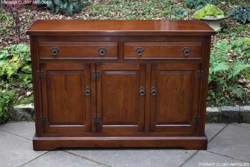 A WOOD BROTHERS OLD CHARM BUCKINGHAM LIGHT OAK SIDEBOARD / DRESSER BASE