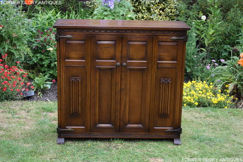 A WOOD BROTHERS OLD CHARM CARVED LIGHT OAK DVD CD STORAGE CABINET