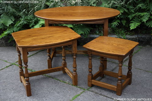 A WOOD BROTHERS OLD CHARM VINTAGE SOLID OAK NEST OF THREE TABLES / COFFEE TABLE SET