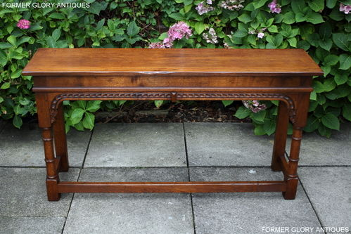 A TITCHMARSH AND GOODWIN STYLE STRESSED OAK CONSOLE / HALL TABLE